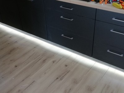 LED podsvietenie kuchynskej linky